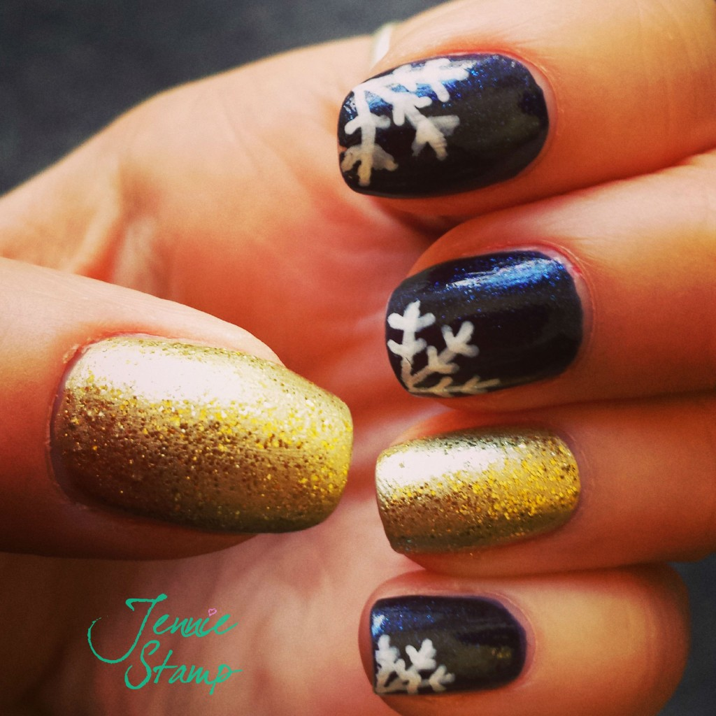 Winter glitter snowflake nails