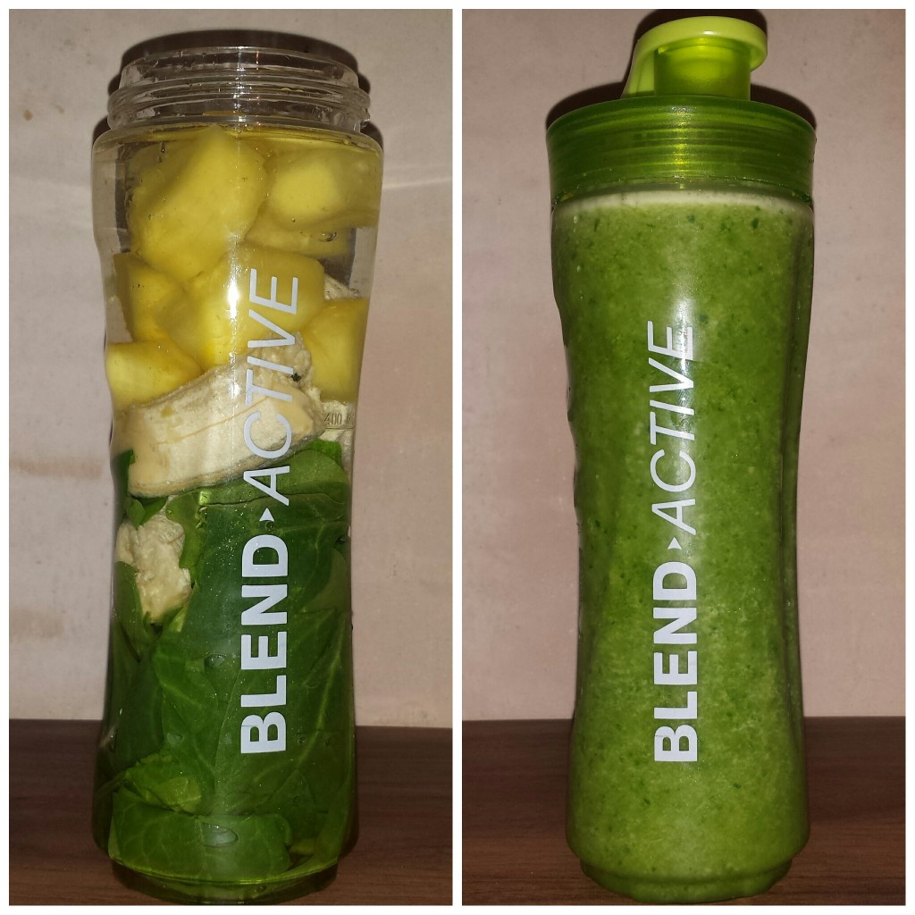 Spinach, banana and pineapple green smoothie - brunchandnaps.com