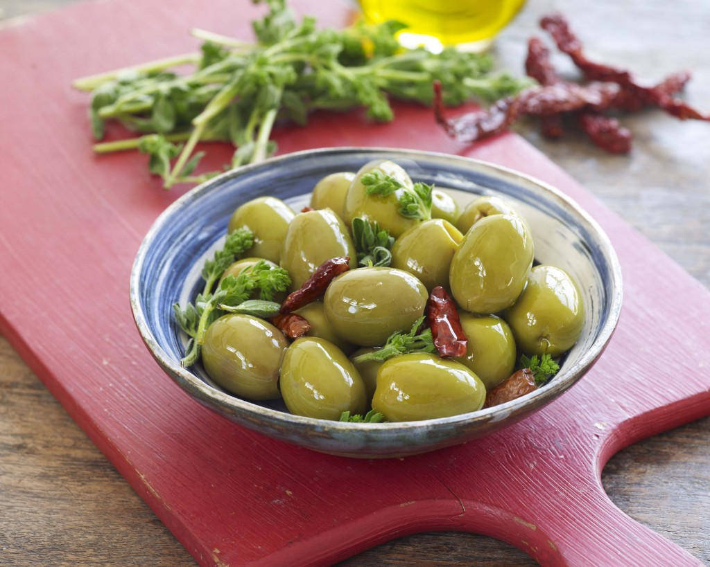 Oregano & Chilli olives